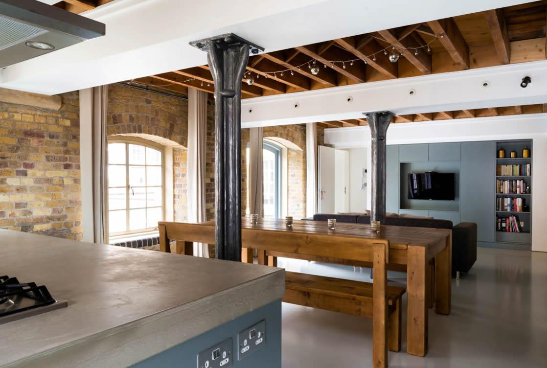 Beton cire op vloeren beton cire zelf aanbrengen for Renovlies zelf aanbrengen
